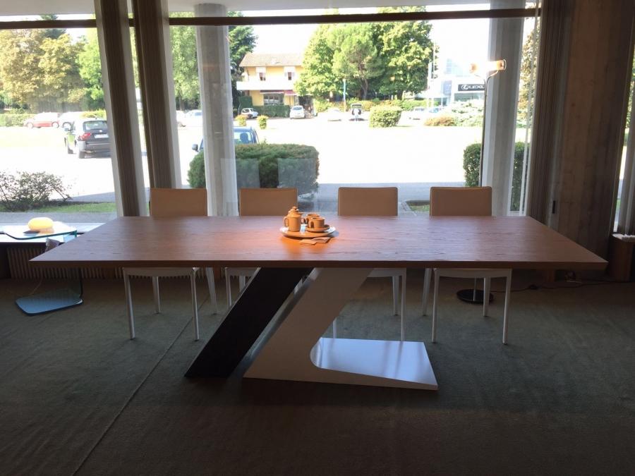 Tavoli Sala Da Pranzo In Legno : Treti arredamenti a udine. negozio di arredamento per tutta la tua